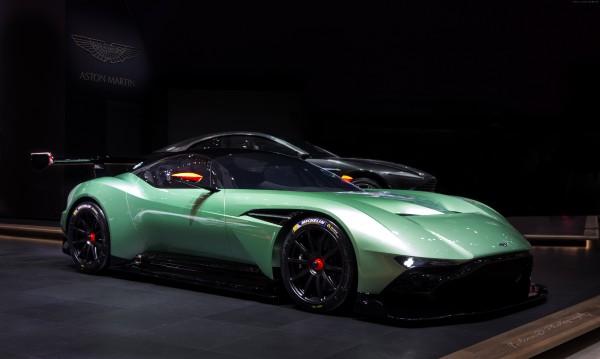 Aston-Martin-Vulcan-16.jpg